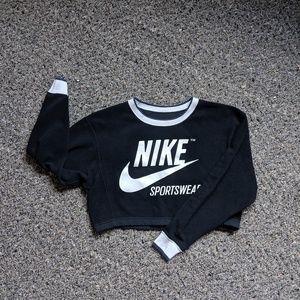 Nike Crop Sweatshirt